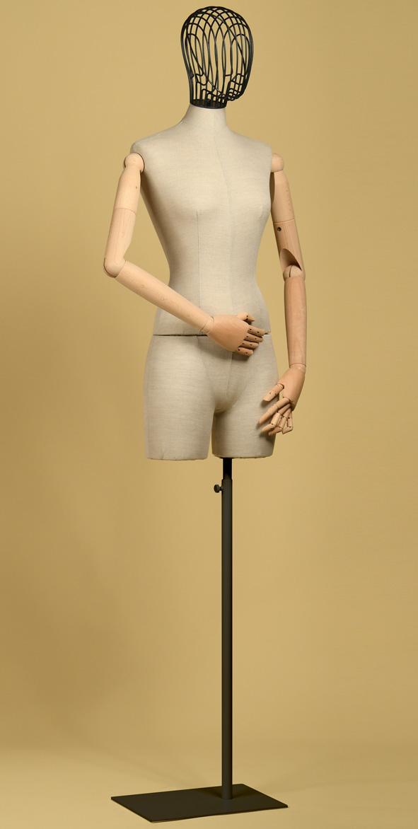 Mannequin couture femme en coton panama écru avec bras de hêtre, mi-cuisses et base de fer blanc rectangulaire